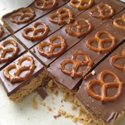 5 Minute Pretzel Cream Cheese Peanut Butter Bars