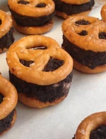 No-Bake Gluten-Free Chocolate Pretzel Sandwiches.