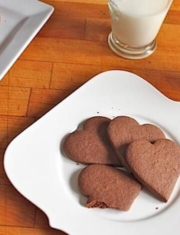 Gluten-free spicy chocolate cookies.