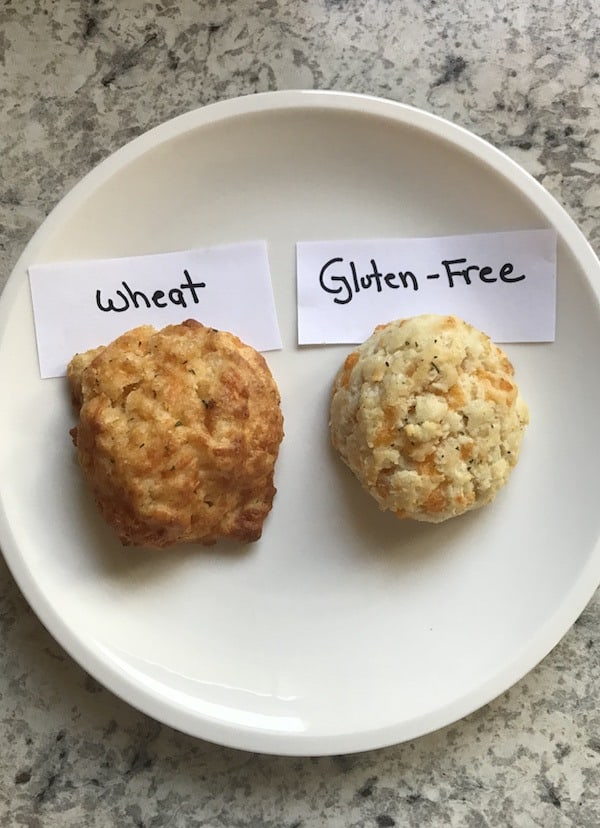Red Lobster Gluten-Free Cheddar Bay Biscuit Mix Review_Side by Side