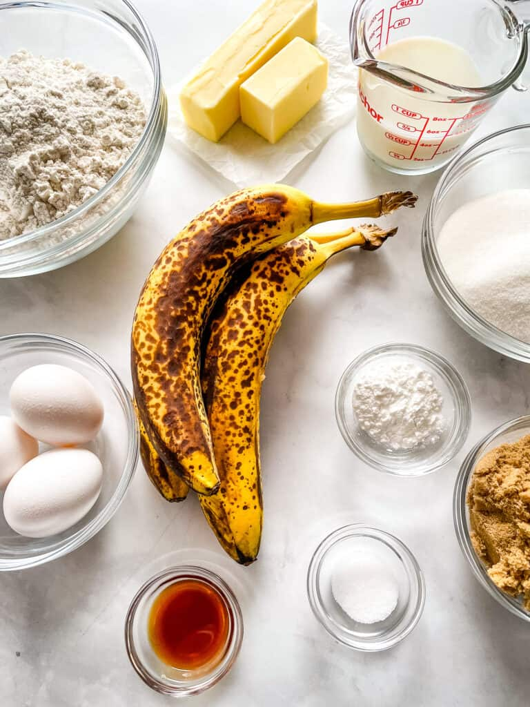 Ingredients for gluten-free banana cake.